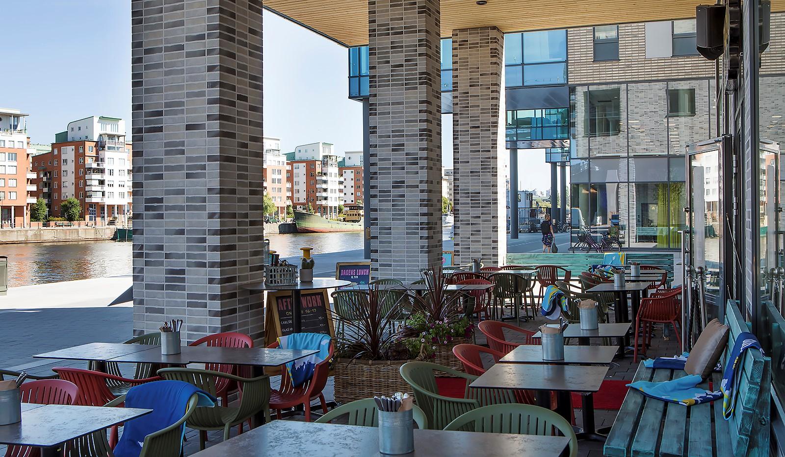Fredriksdalsgatan 24, vån 6 - Taco Bar med uteservering beläget längs med kajen