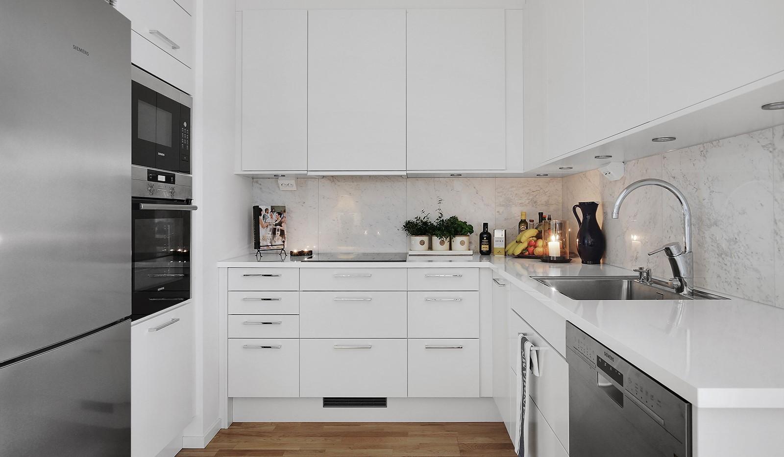 Fredriksdalsgatan 24, vån 6 - Stilrent och välutrustat kök