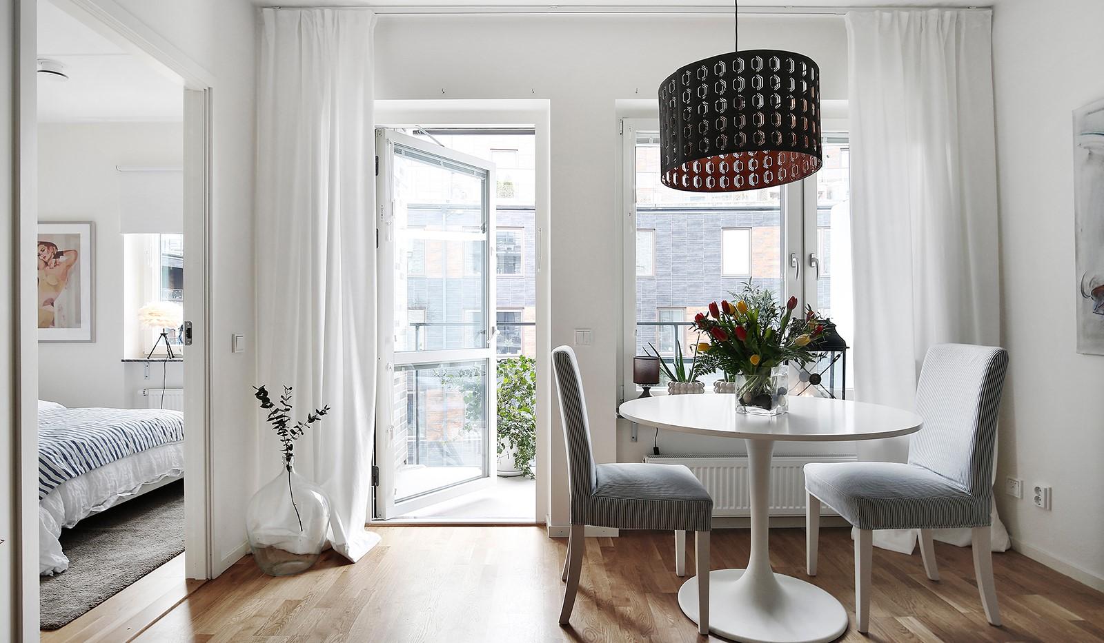 Fredriksdalsgatan 24, vån 6 - Härligt ljusinsläpp från stora fönsterpartier