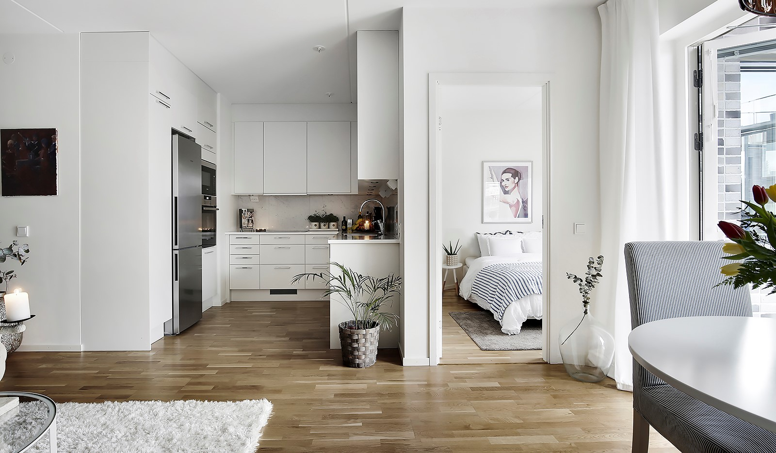 Fredriksdalsgatan 24, vån 6 - Öppen planlösning mellan vardagsrum och kök