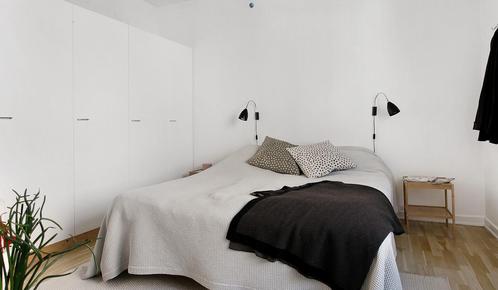 Tavastgatan 15, 2 tr - Sovrum med plats för dubbelsäng