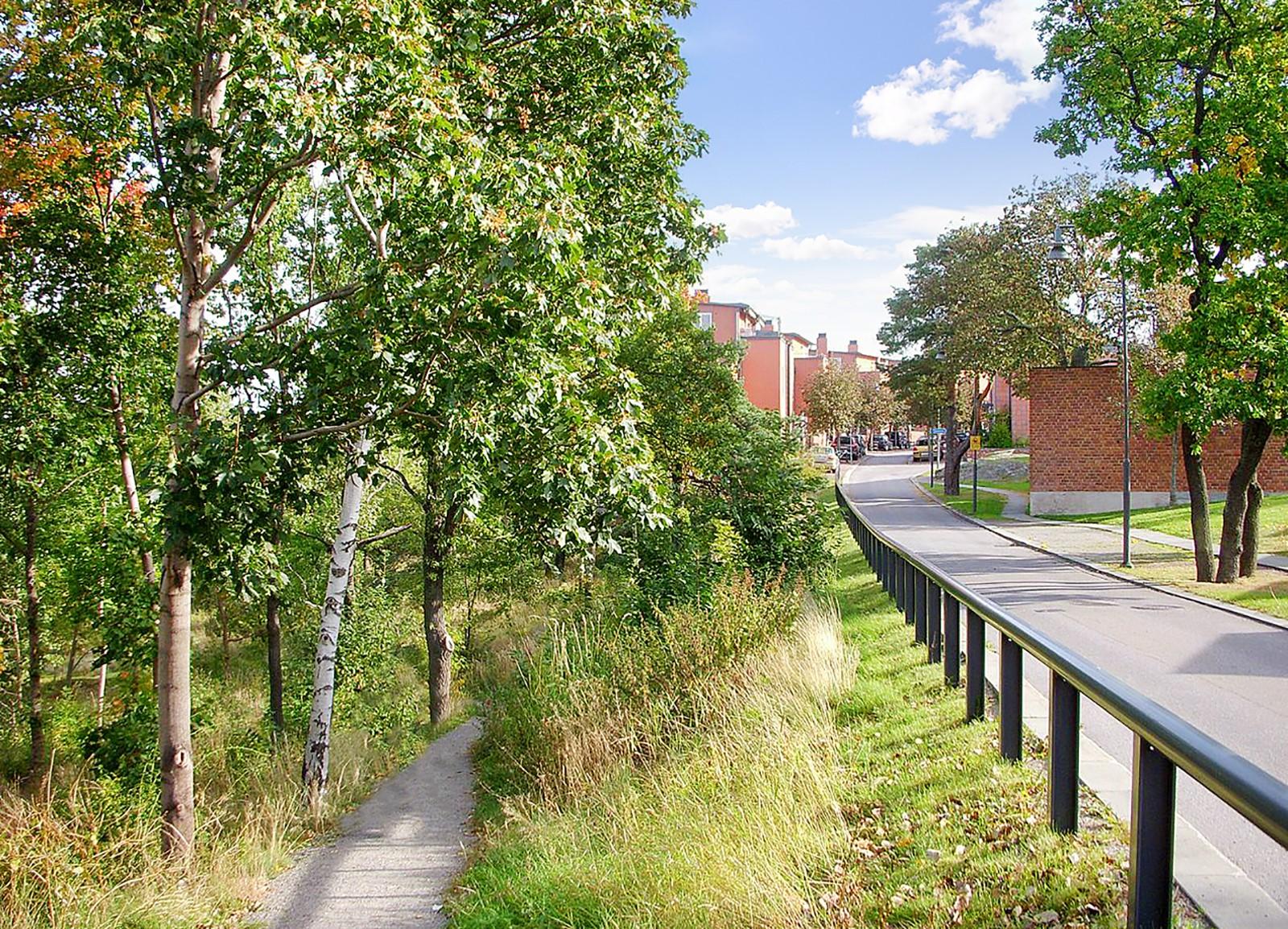 Nybodaringen 115 - Gångväg ner till Lilljeholmskajen
