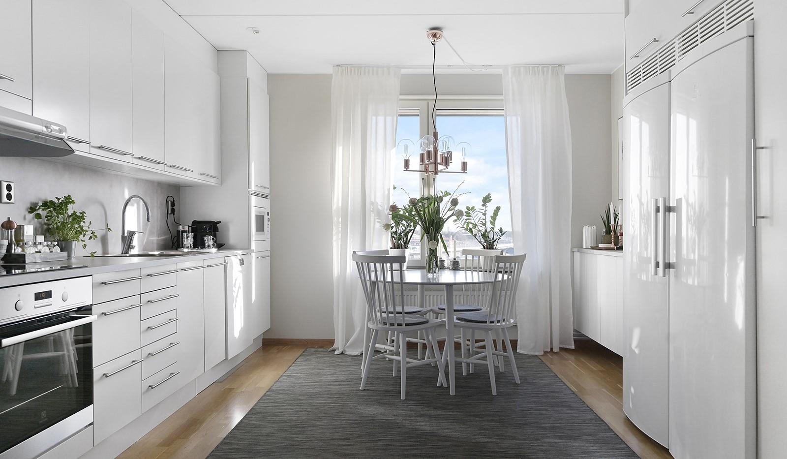 Hildebergsvägen 18, 4 tr - Hemtrevlig kök med matsplats