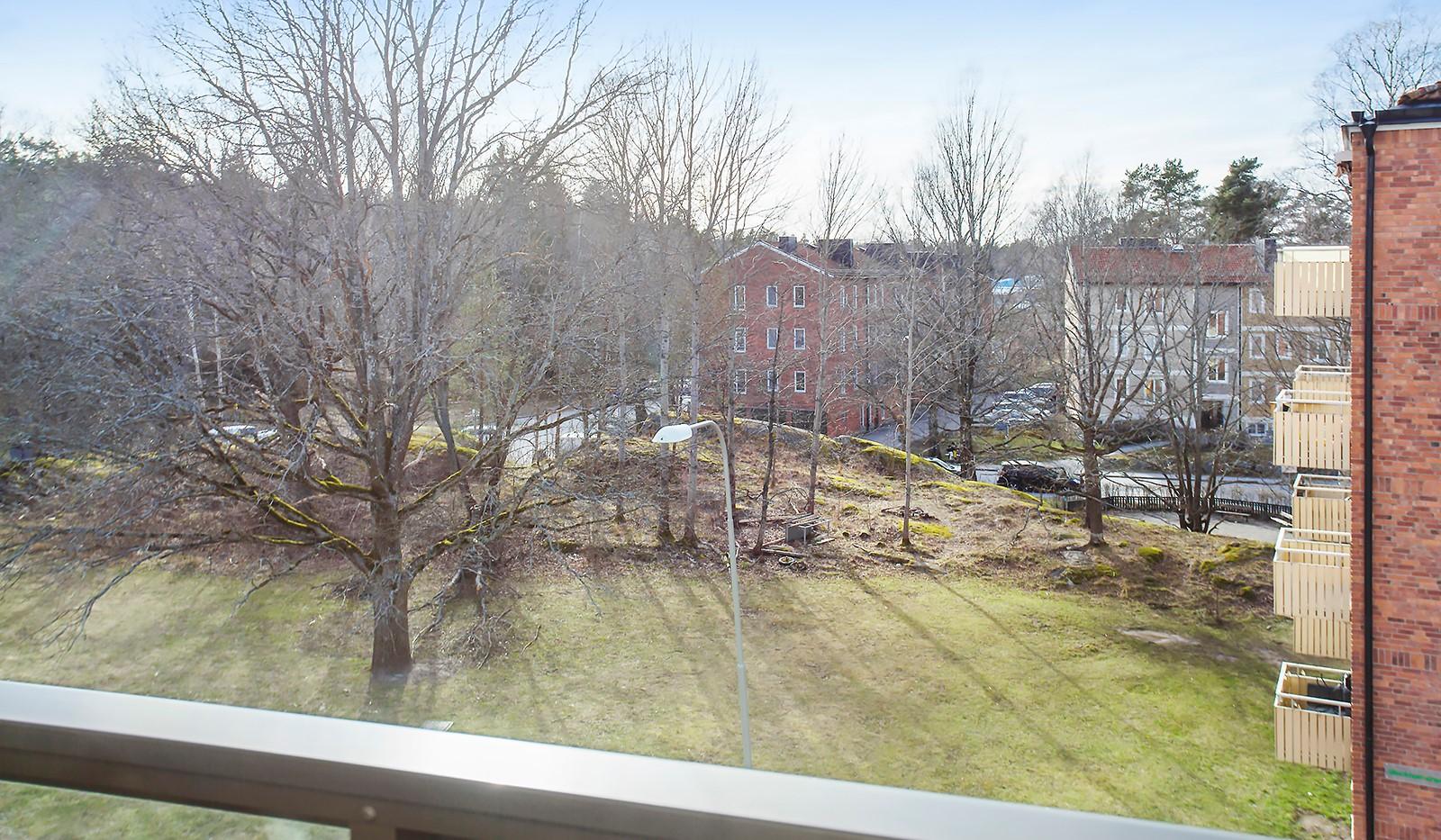 Pepparvägen 49, 3tr - Utsikt från balkongen