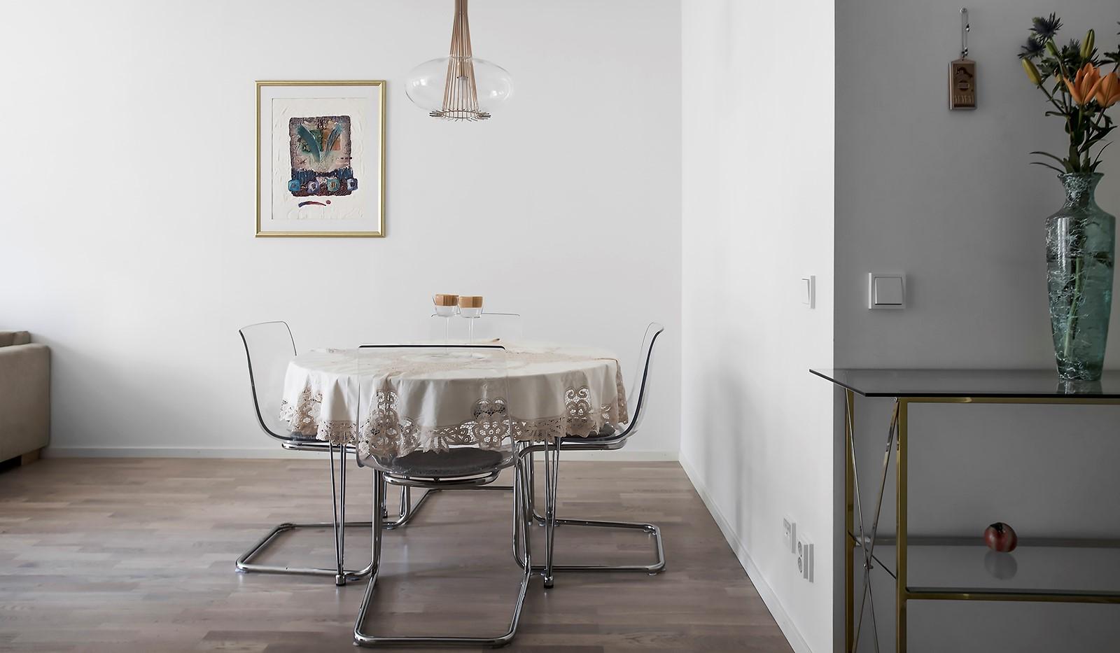 Fredriksdalsgatan 24, vån 2 - I anslutning till köket ryms en ordentlig matplats