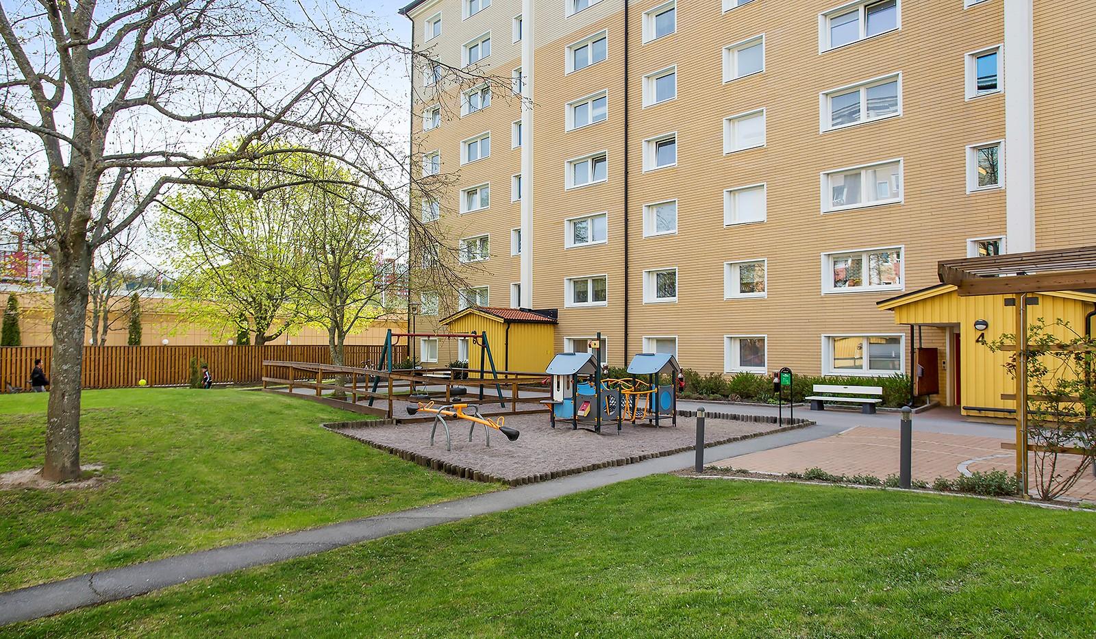 Vetevägen 12, 7tr - Gårdens lekplats