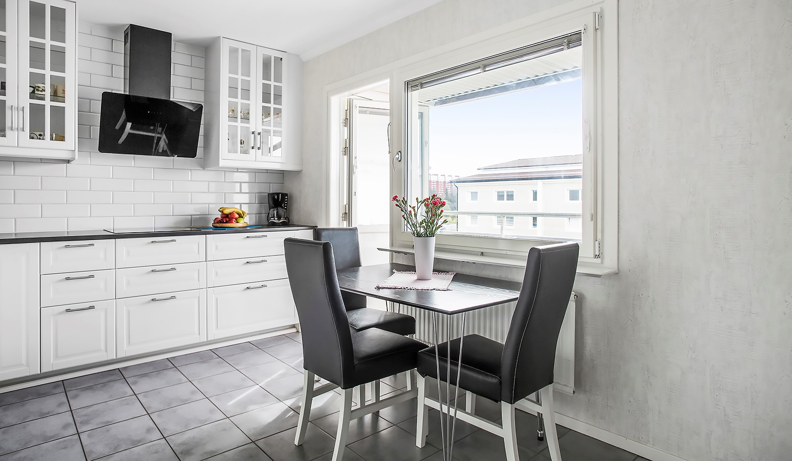 Vetevägen 12, 7tr - Kök med utg till balkong