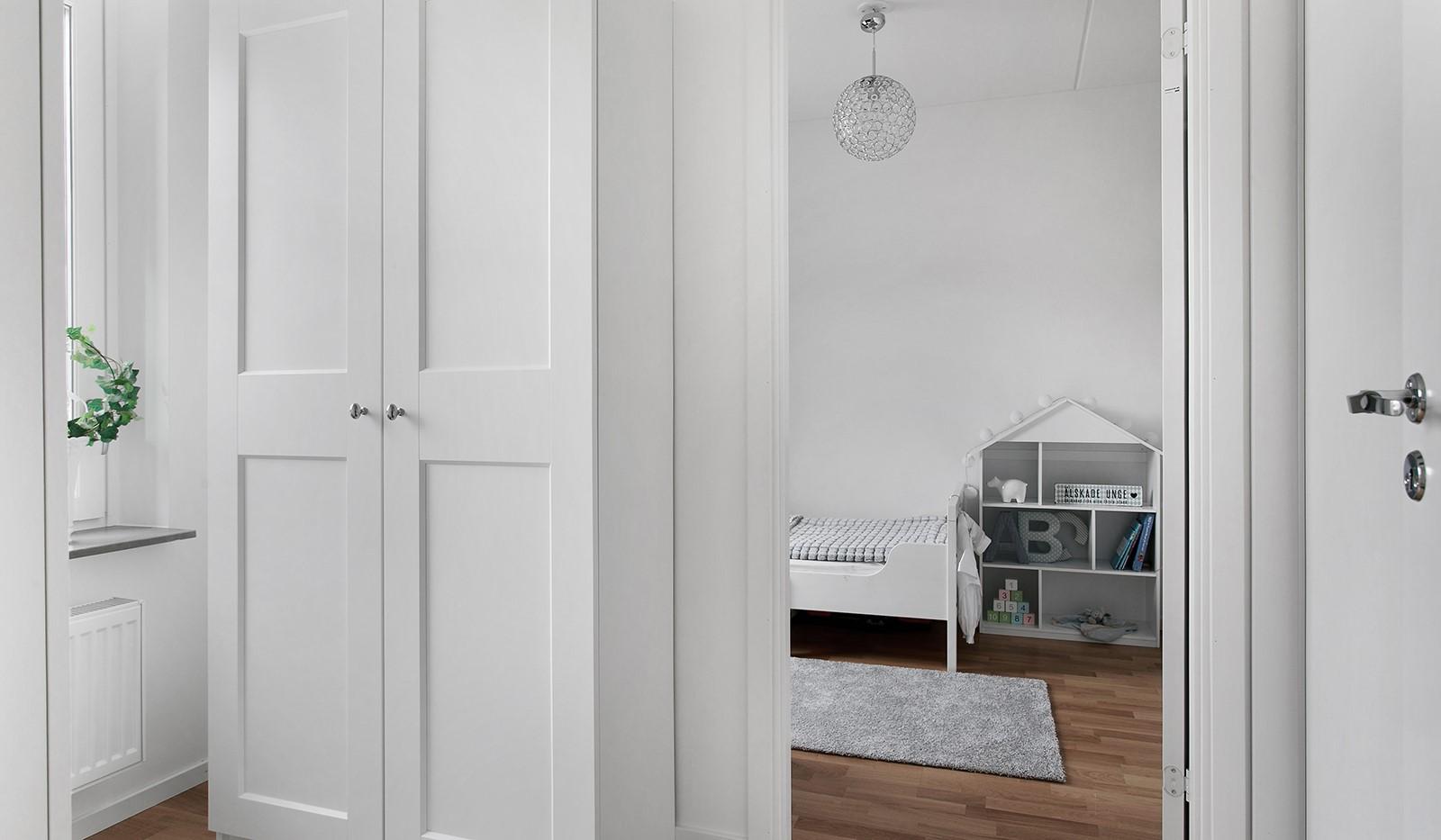 Oskarslundsbacken 13, 2tr - I anslutning till sovrummet finns ett extra rum som kan användas som arbetsrum