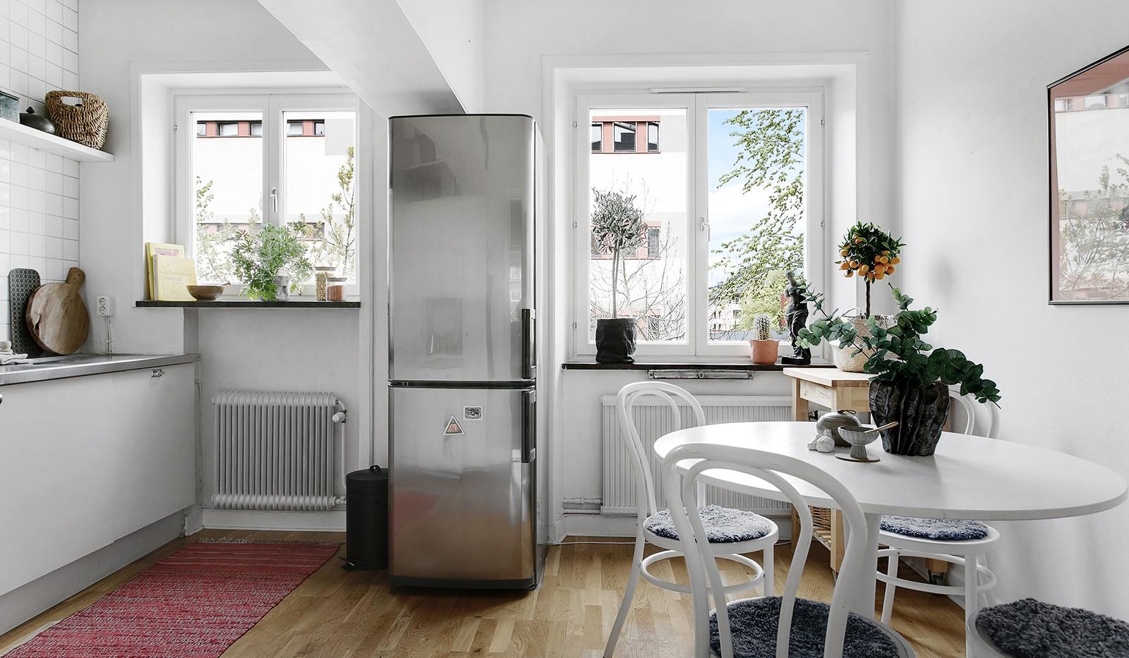 Maria Prästgårdsgata 39, 1tr - Rymligt kök med plats för matbord