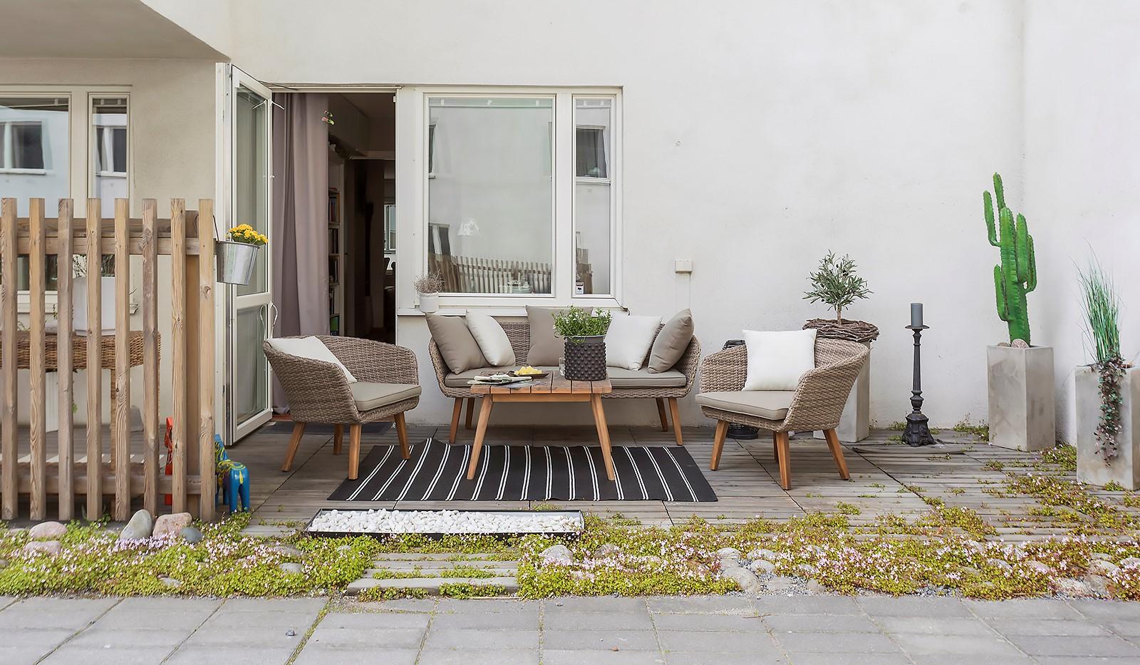 Vinodlargatan 7, 1tr - Perfekta blandningen mellan lägenhet och radhus