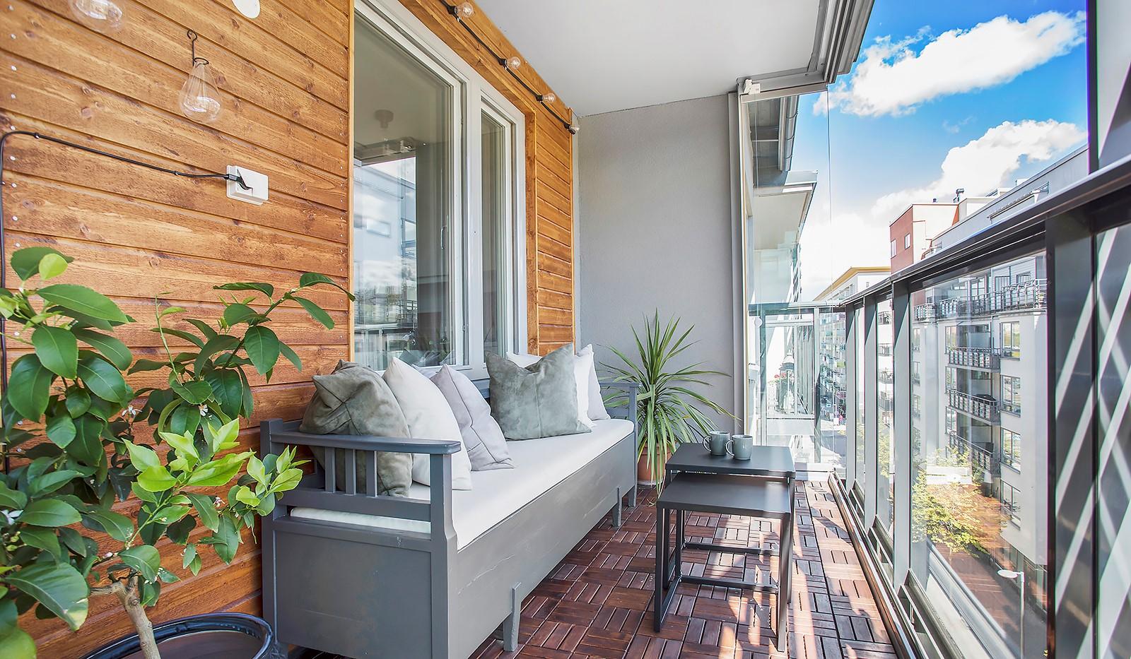 Grönbrinksgatan 10, 5 tr - Rymlig och ombonad balkong