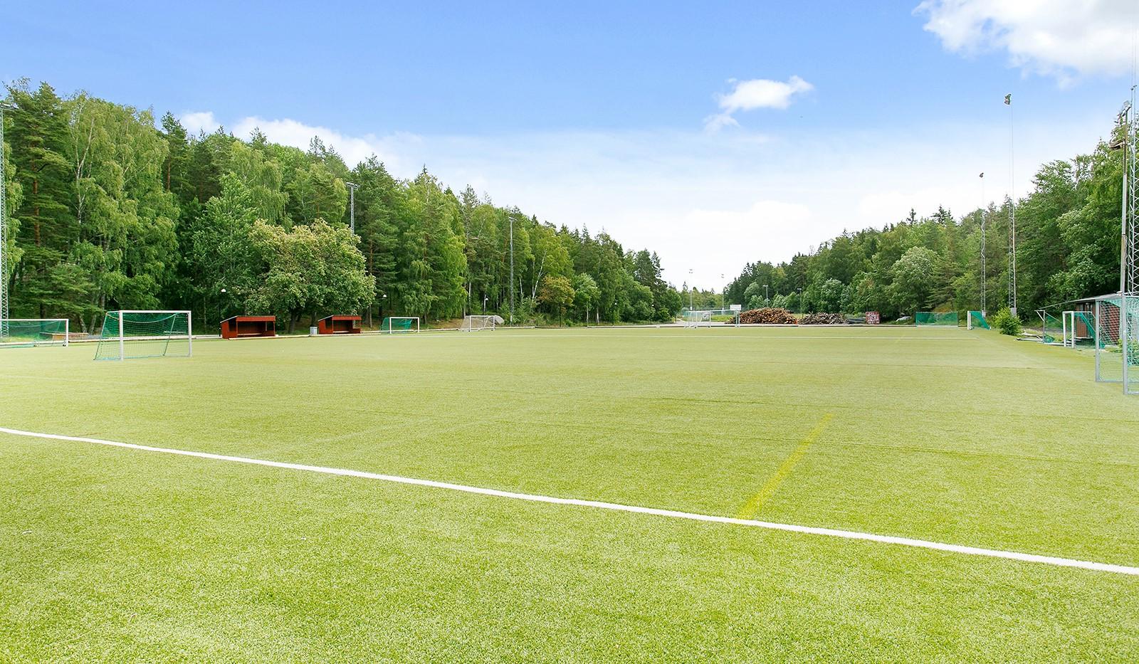 Ribbings Väg 16B - Edsberg - Sportfältet