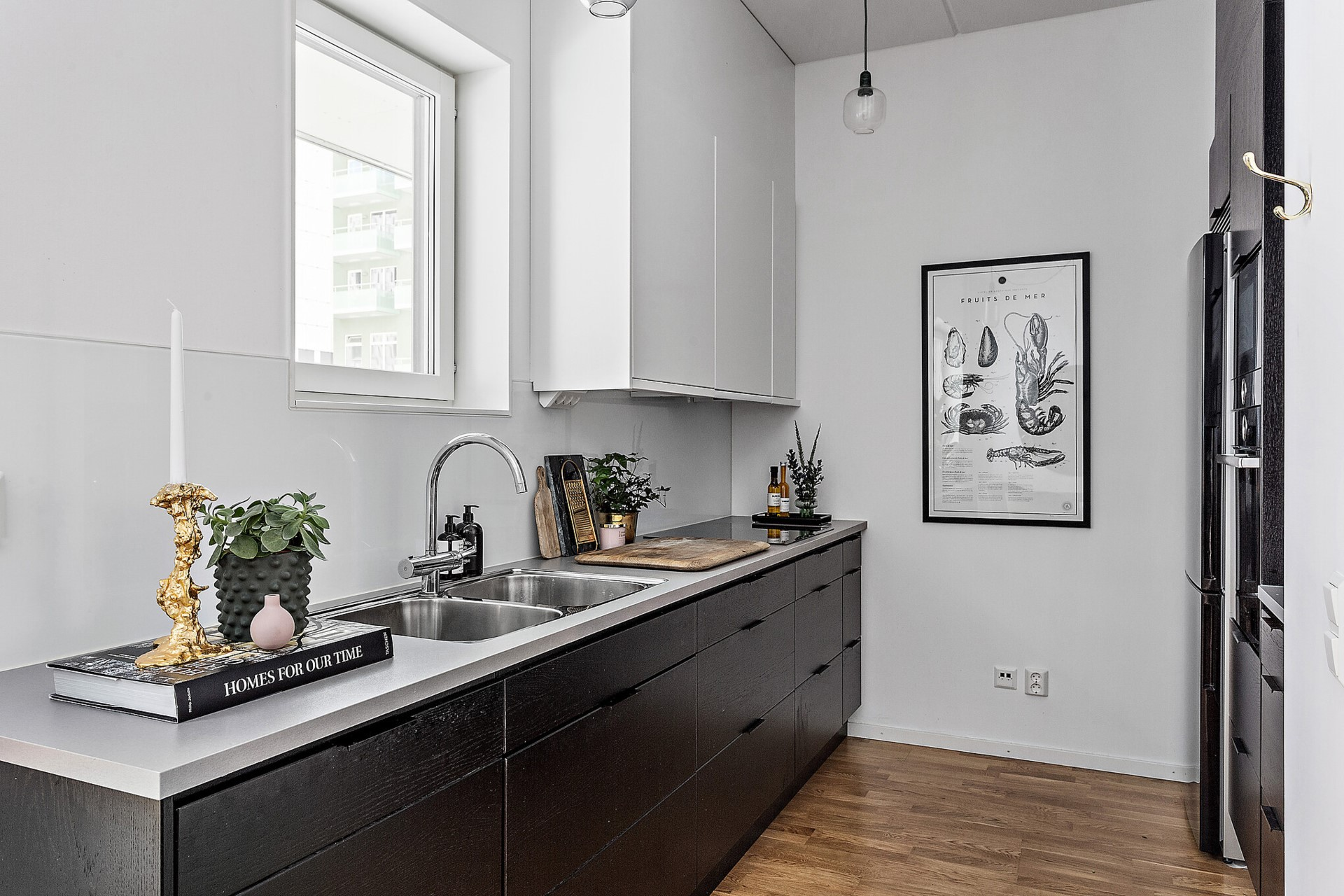Ekfatsgatan 6 - Modernt kök med fin maskinpark.