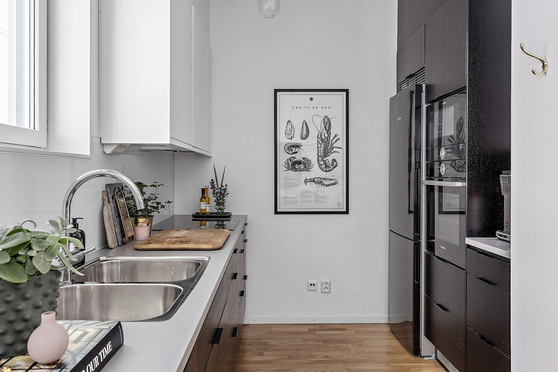 Ekfatsgatan 6 - Fullt utrustat kök.