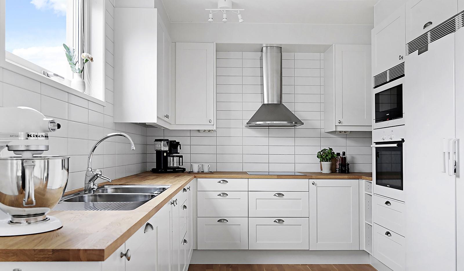 Grönbrinksgatan 8, 6 tr - Stilrent och modernt kök