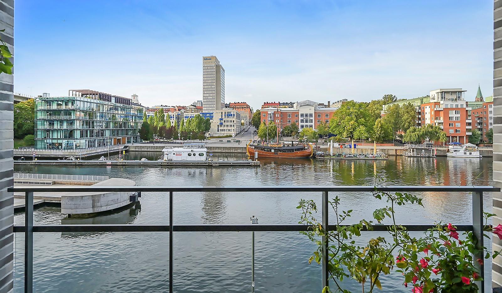 Fredriksdalsgatan 24, vån 2 - Här kan man njuta av en fantastisk utsikt över Hammarby Kanal