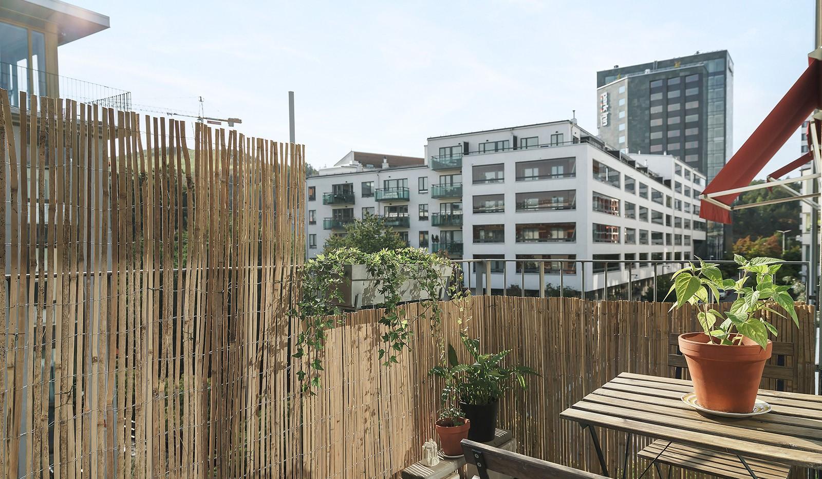 Midskeppsgatan 19, vån 4 - Stor balkong i högt läge