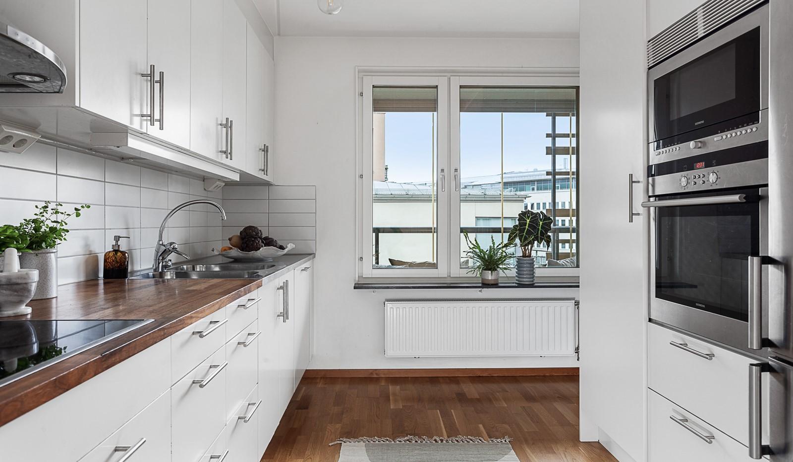 Grönbrinksgatan 10, 5 tr - Stilrent och modernt kök
