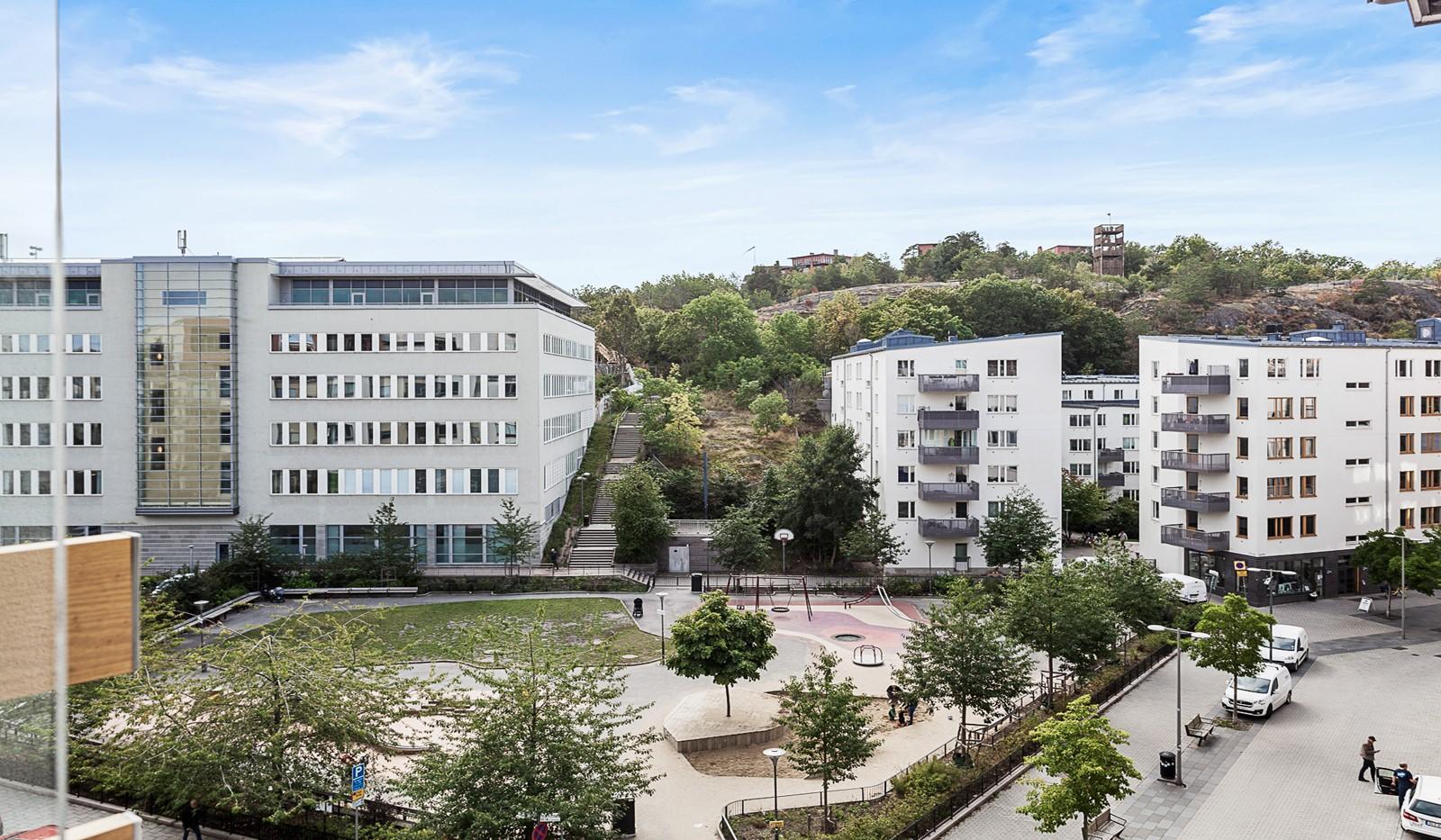 Grönbrinksgatan 10, 5 tr - Trevlig utsikt mot Fredsborgsparken