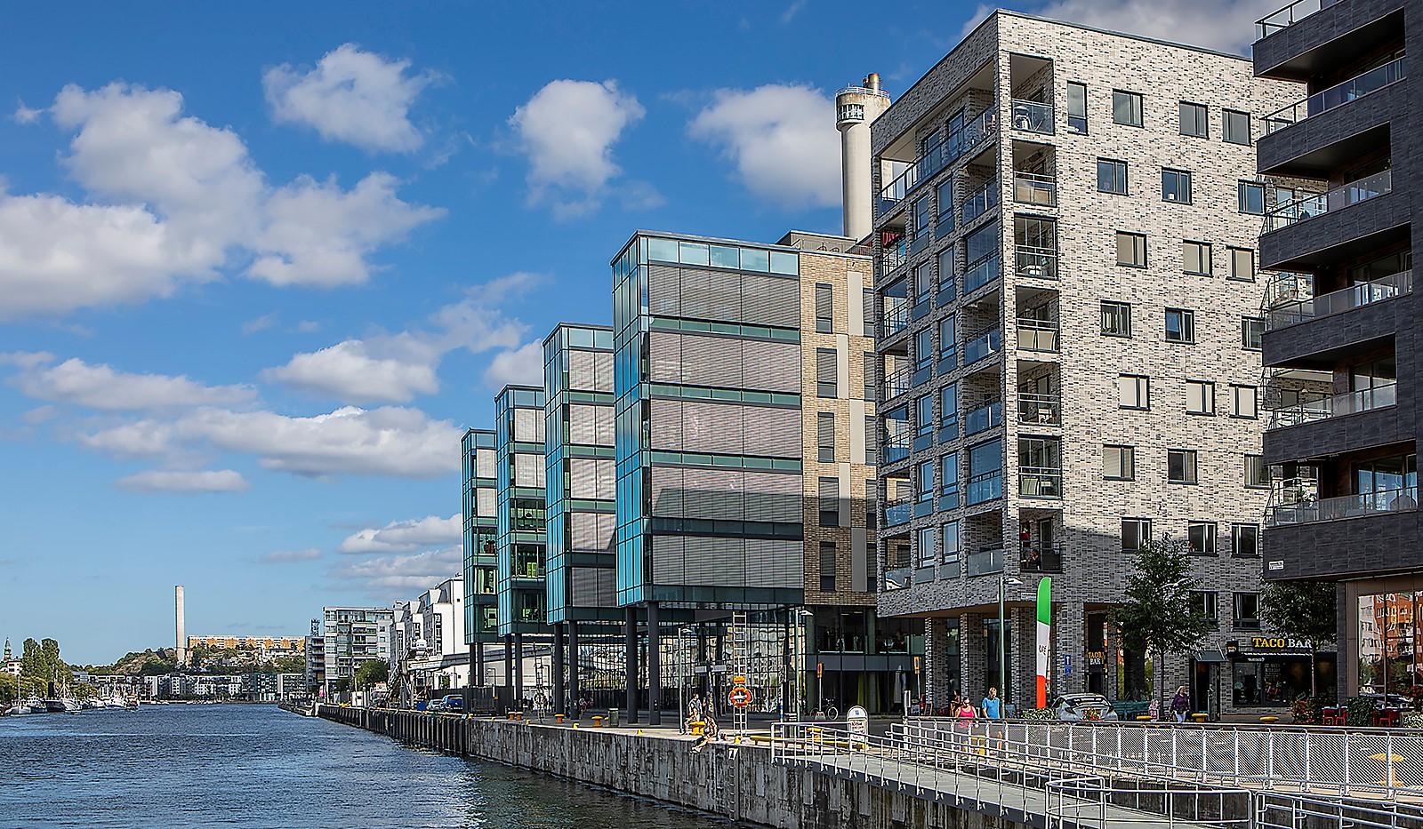 Fredriksdalsgatan 24, vån 2 - Här bor man på kajen med Hammarby Kanal som närmsta granne!
