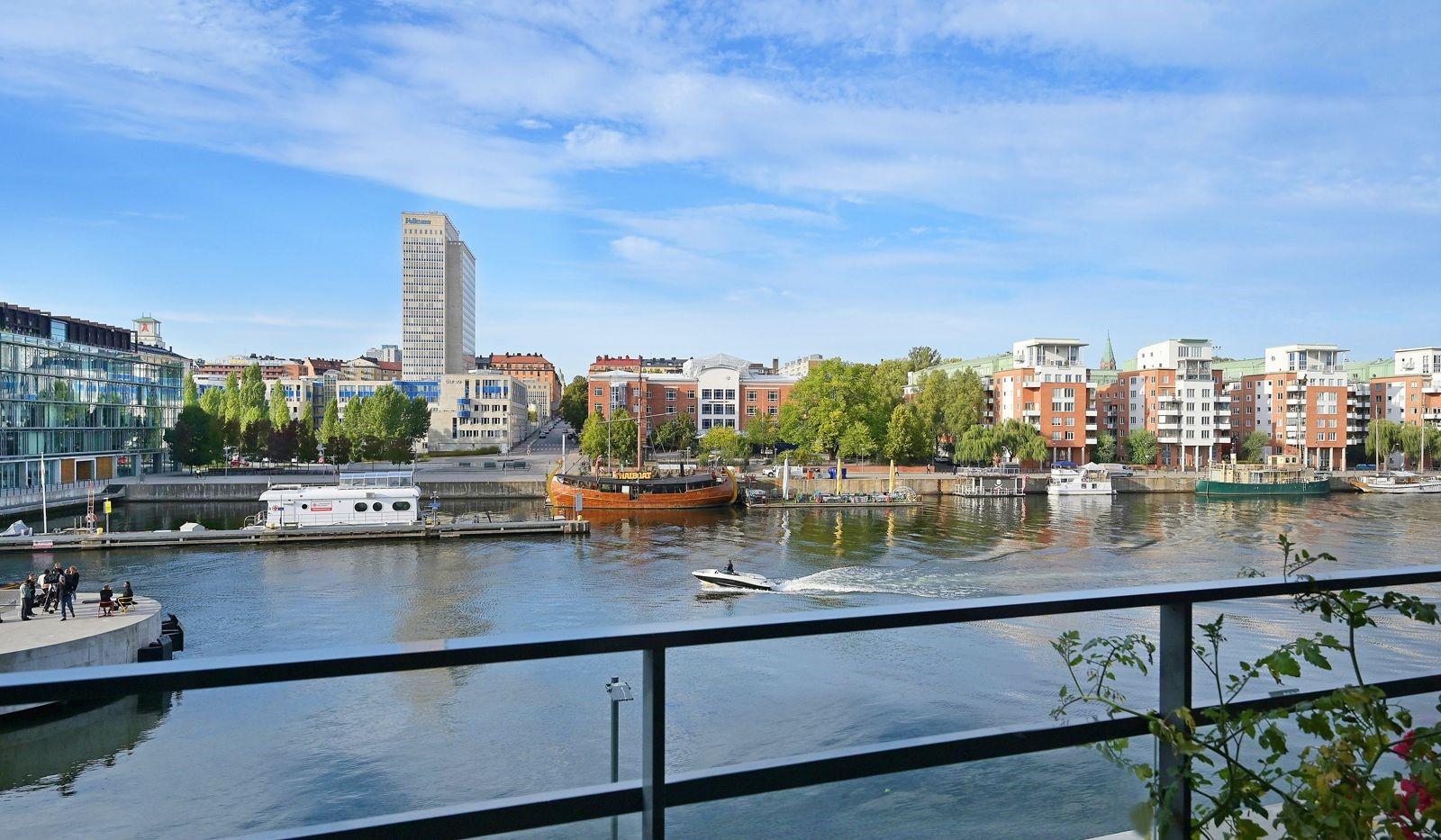 Fredriksdalsgatan 24, vån 2 - Frontläge på Hammarby Kaj