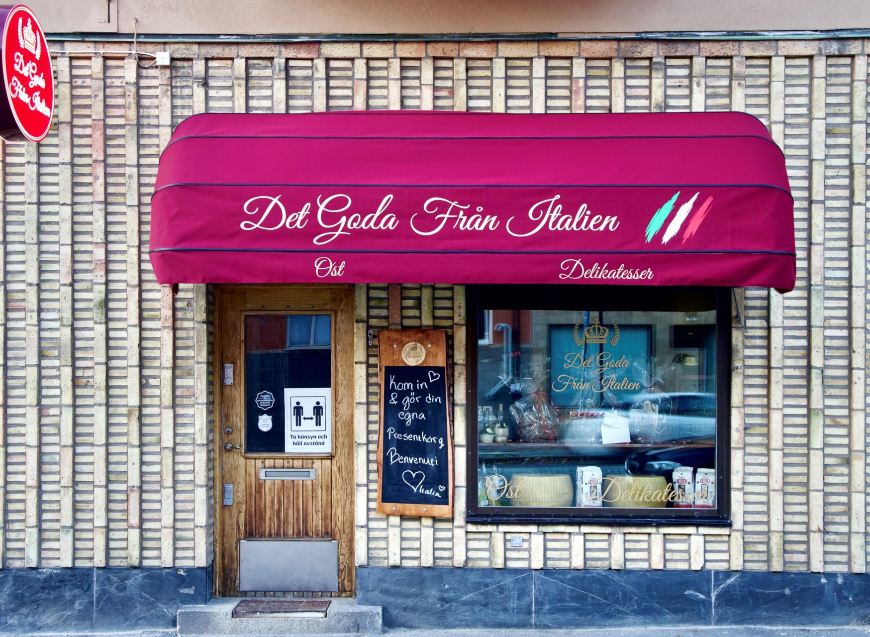 Fågeltorget 169, 2tr - Den nya Italienska delikatessbutiken ligger precis runt hörnet.