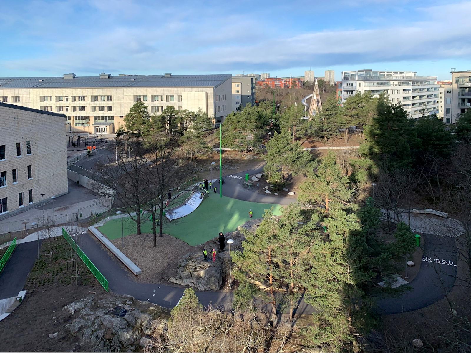 Hildebergsvägen 28 - Sjöviksskolan och Årstabergsparken.