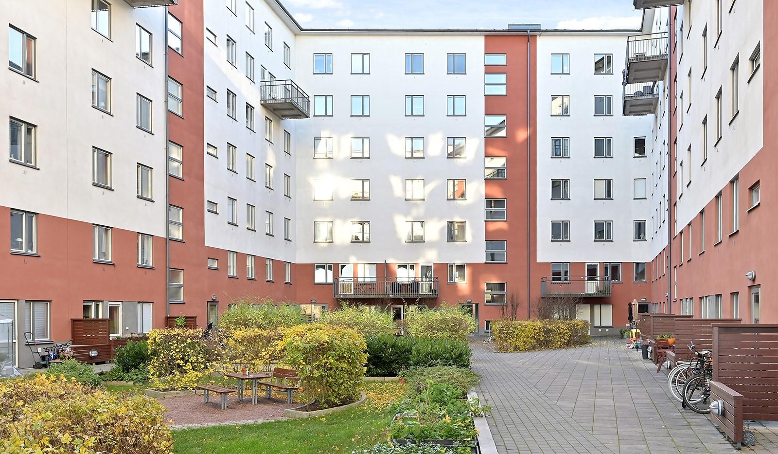 Vinodlargatan 8 - Innergården