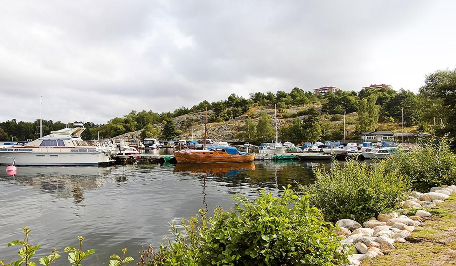 Hägerstensvägen 99B - Flera båtklubbar