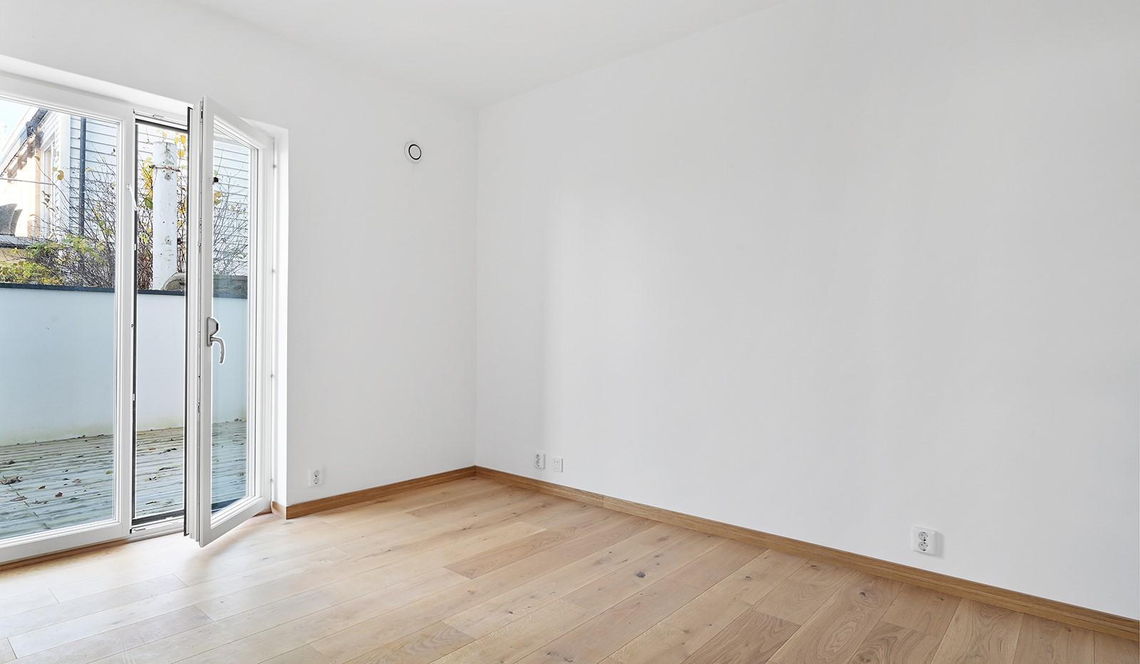 Vårby allé 31, 1tr - Sovrum3 med utg till terrassen