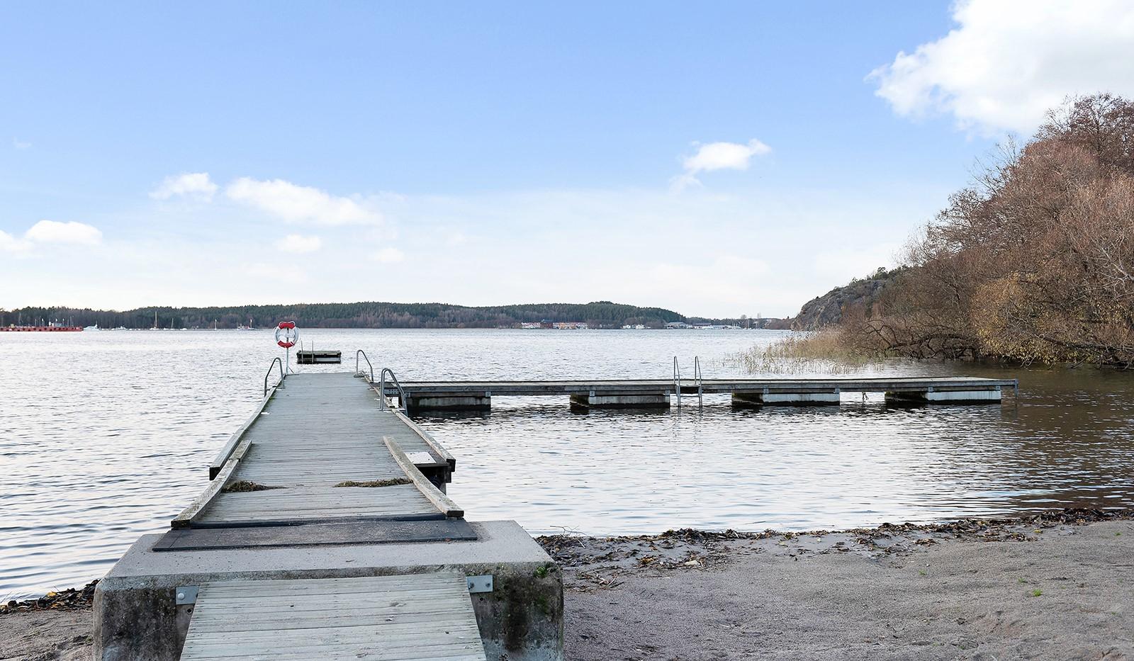 Vårby allé 31, 1tr - Fina badplatser ett stenkast från lägenheten