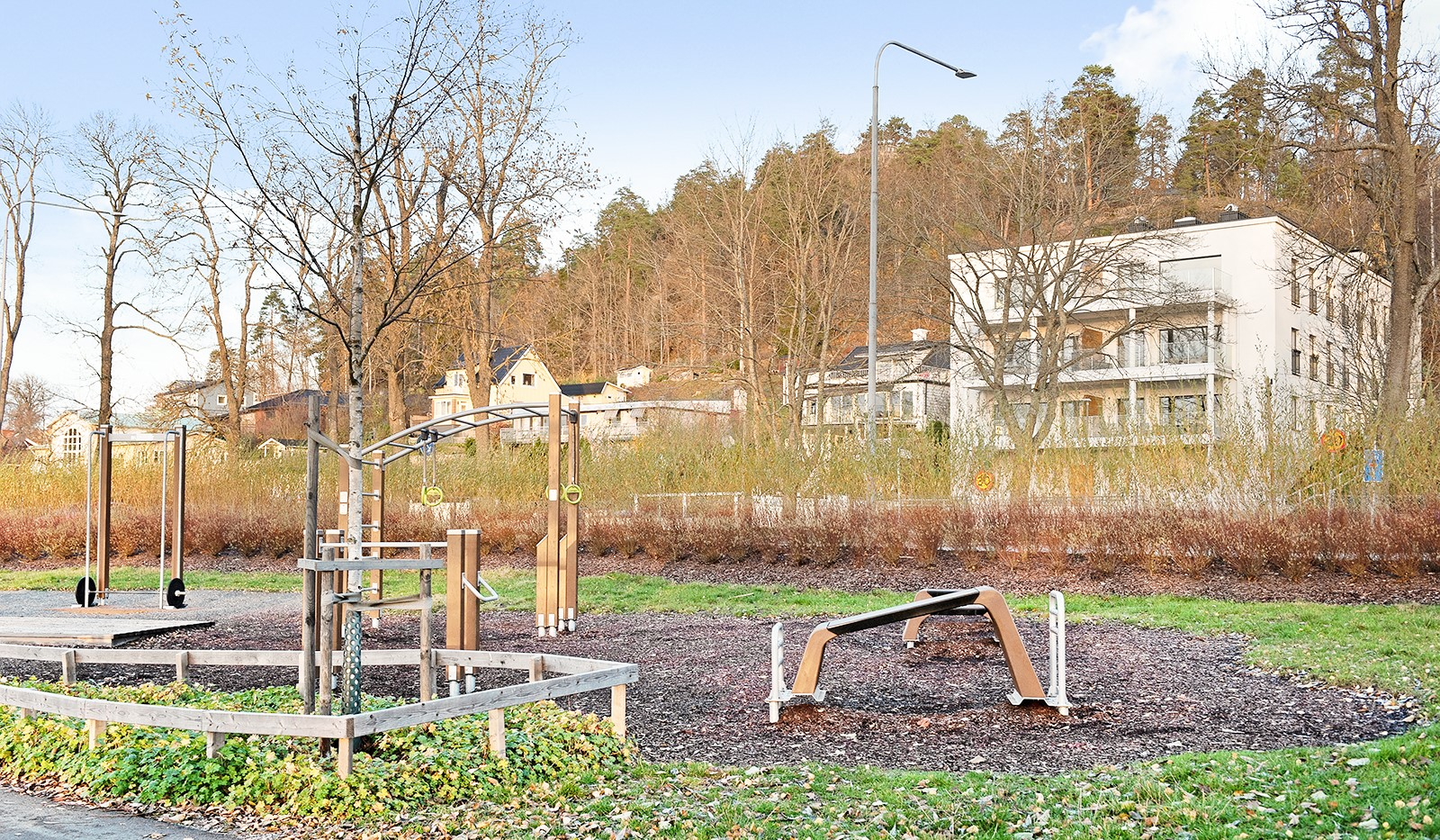 Vårby allé 31, 1tr - Lekplatsen vid badstranden