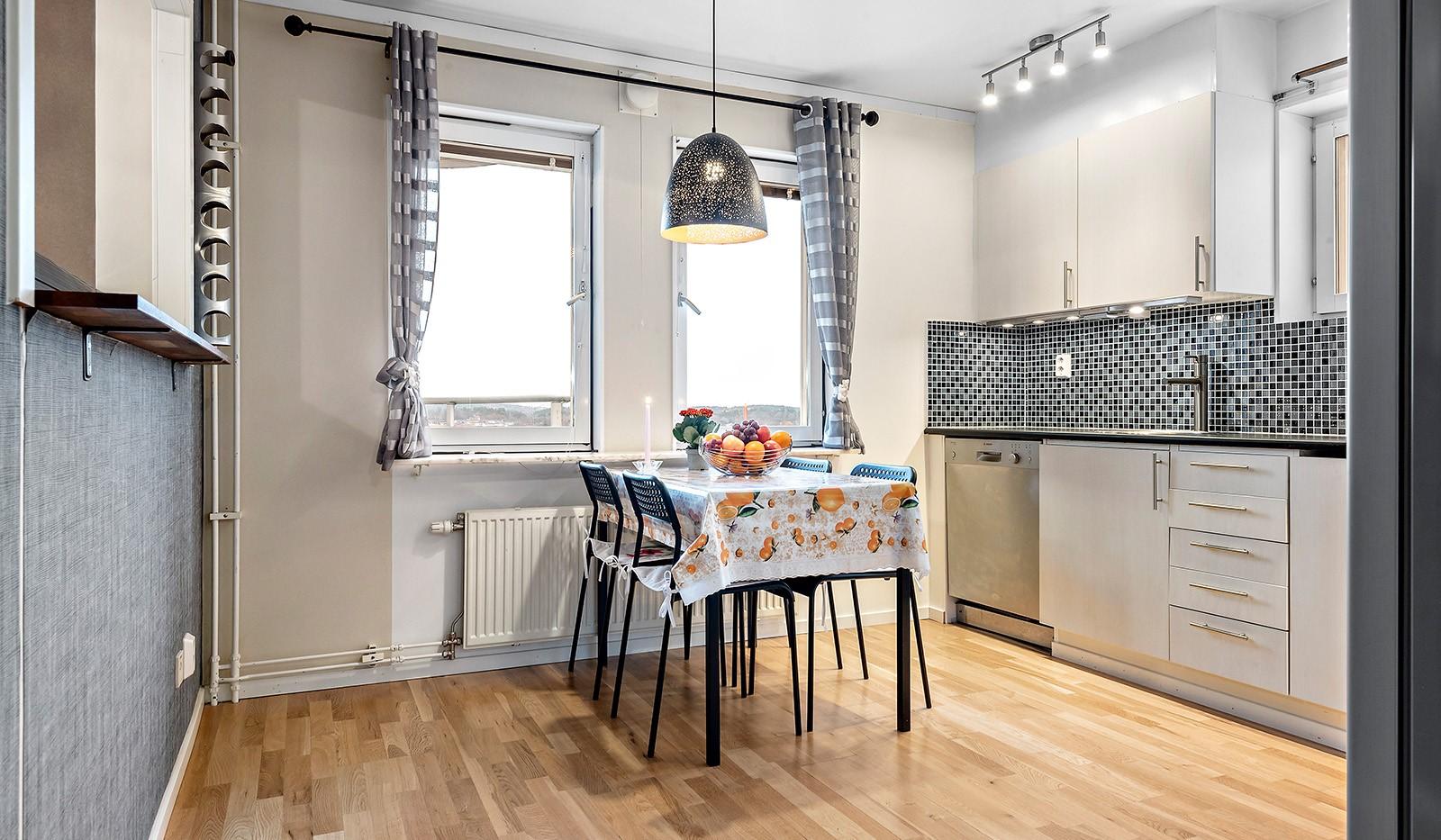 Skarpbrunnavägen 11, 4tr - Kökets matplats