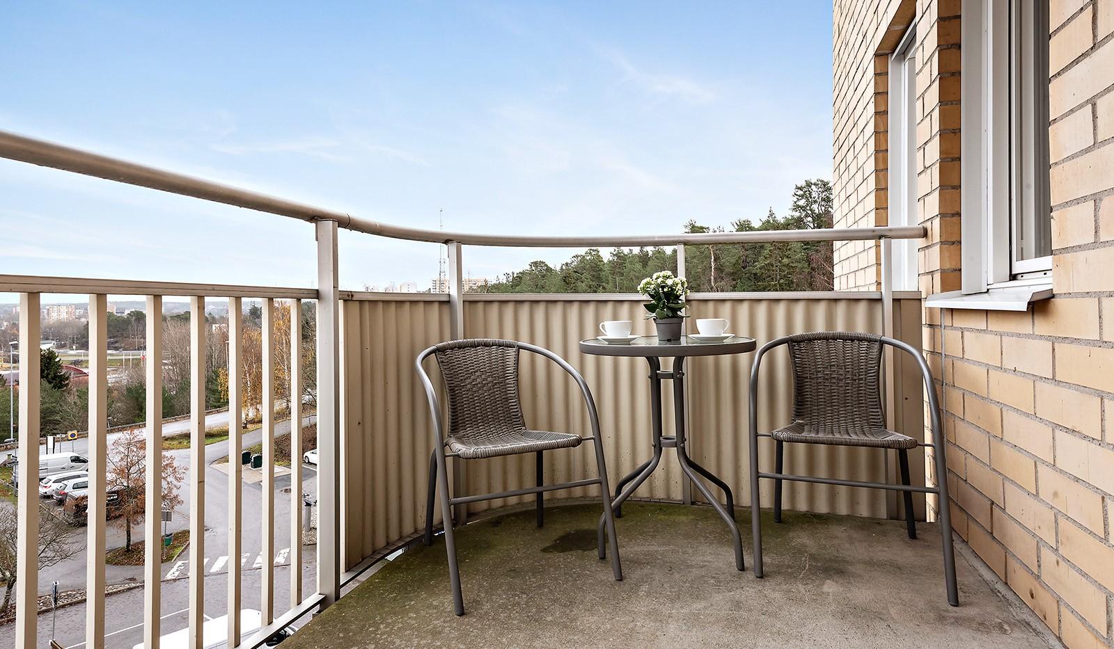 Skarpbrunnavägen 11, 4tr - Möblerbar balkong