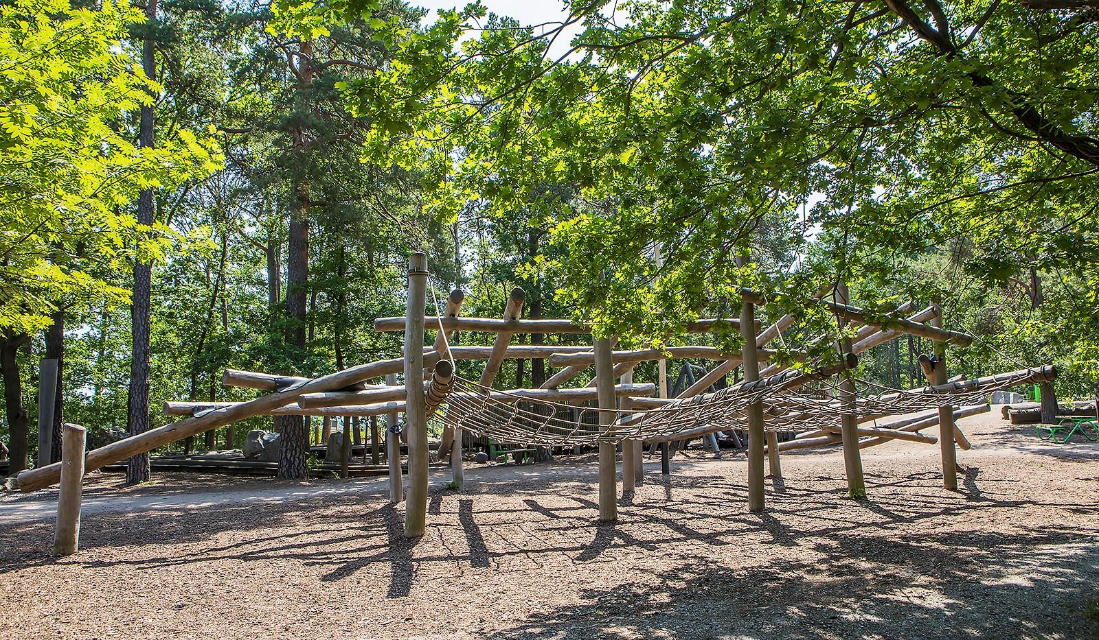 Sjöviksvägen 128, 4tr - Flertalet lekplatser i området