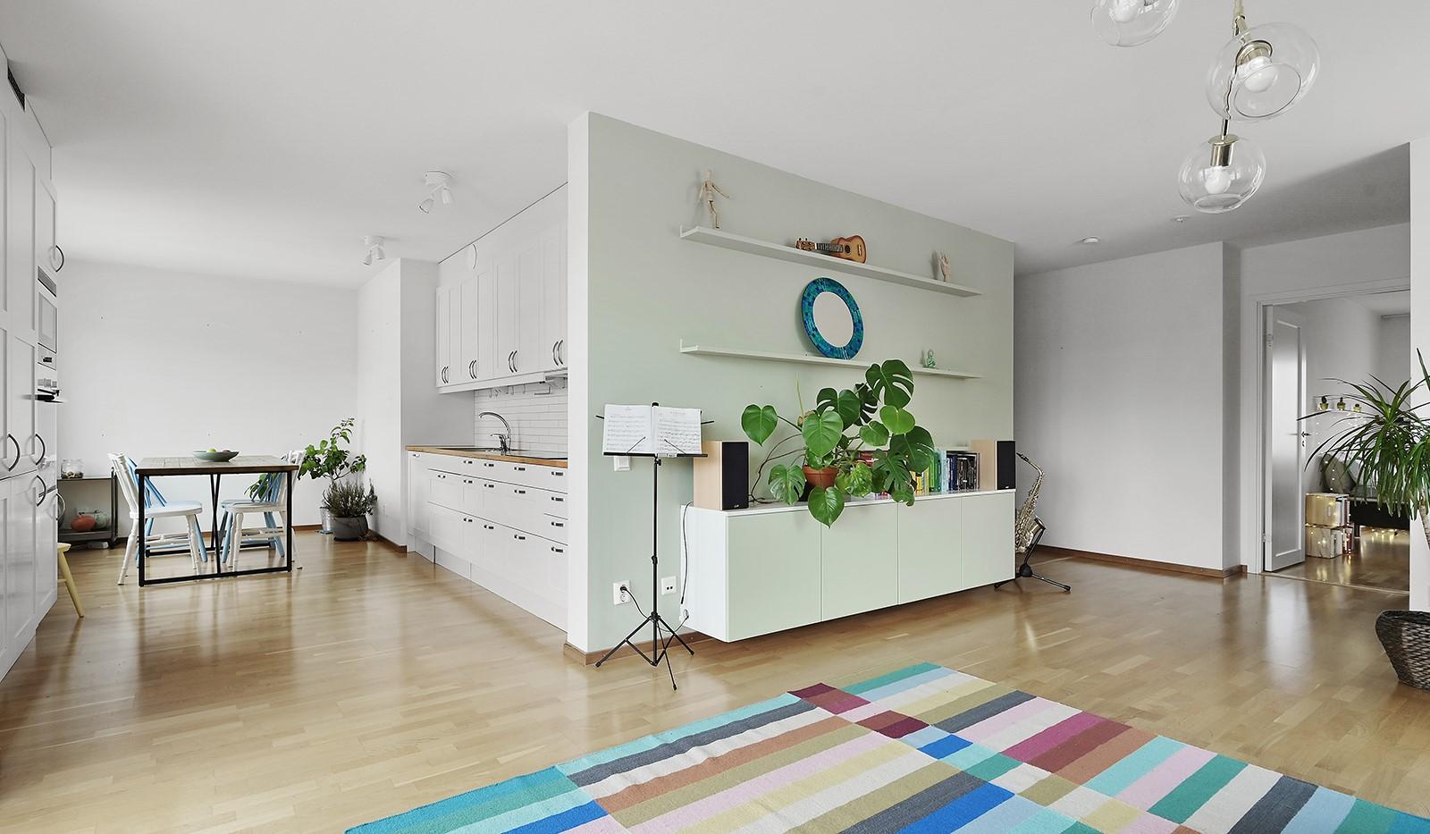 Marieviksgatan 38, 6 tr - Delvis öppen planlösning mellan vardagsrum och kök
