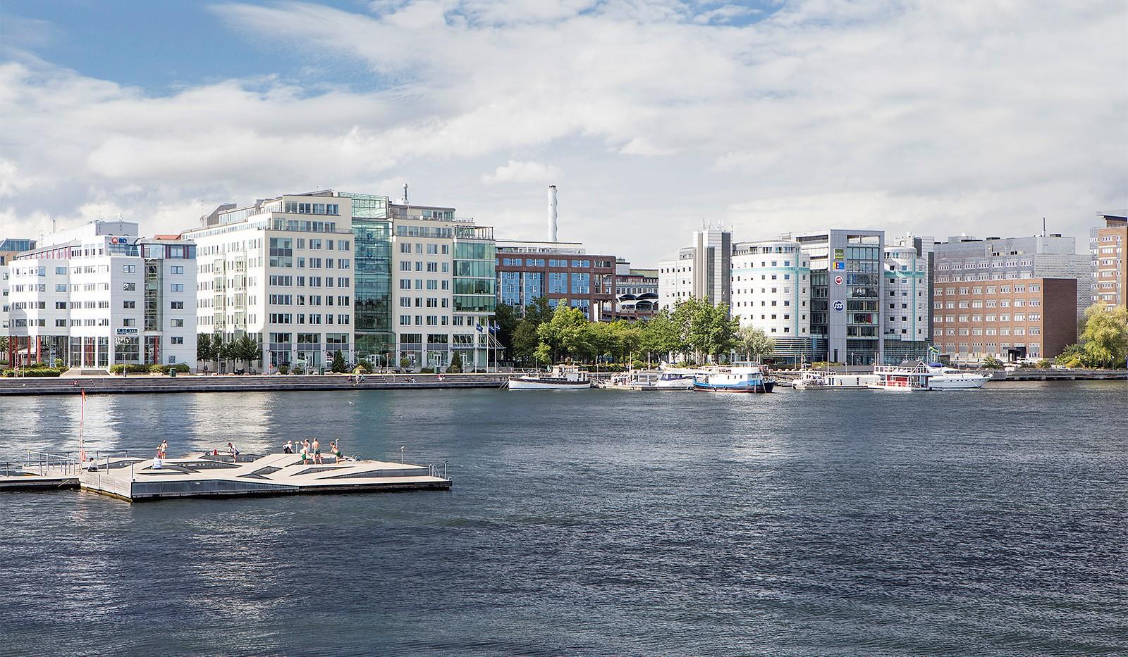 Marieviksgatan 38, 6 tr - Njut av badbrygga och båtliv