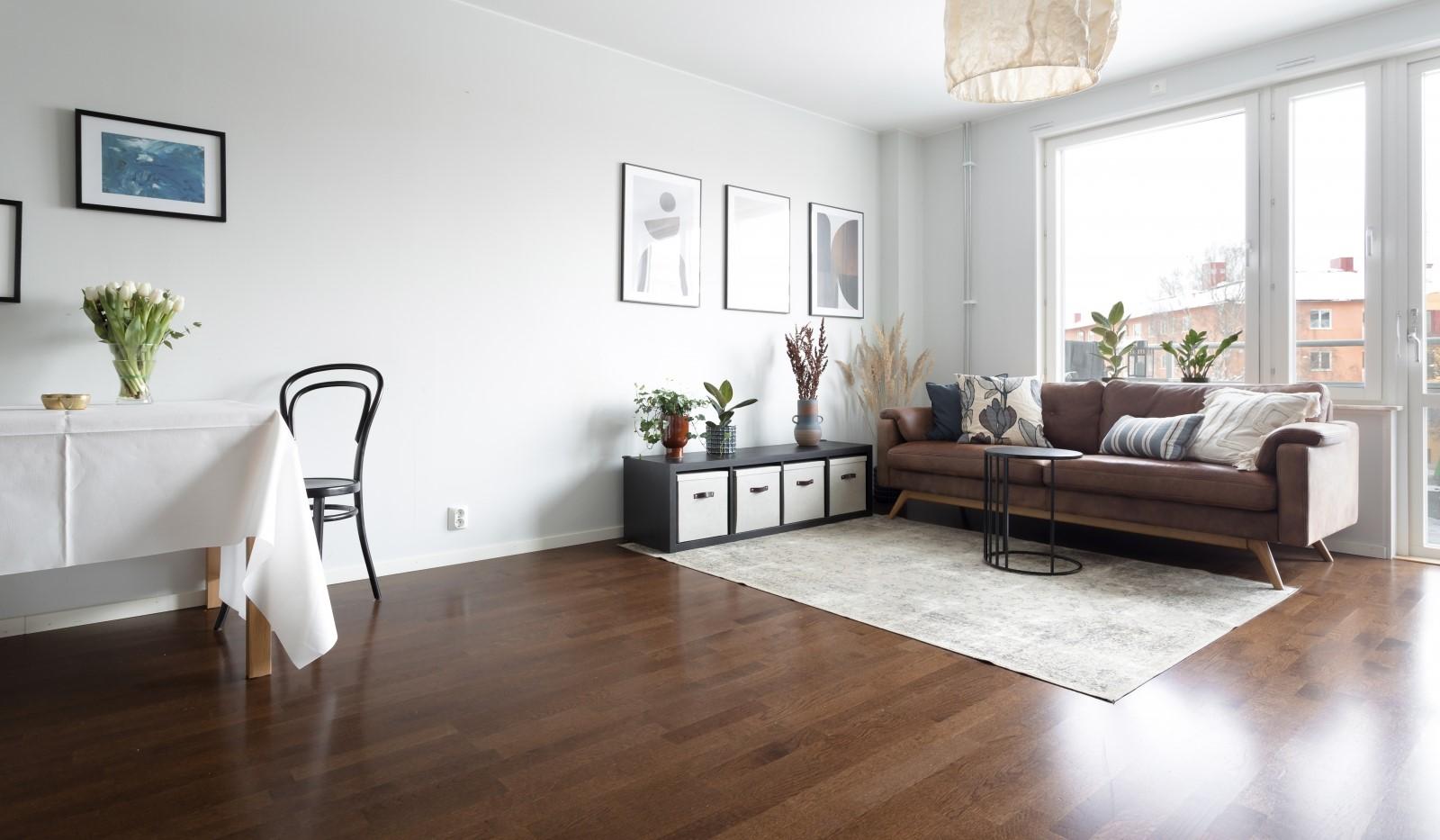 Tellusborgsvägen 90, 2 tr - Plats för litet eller stort matbord