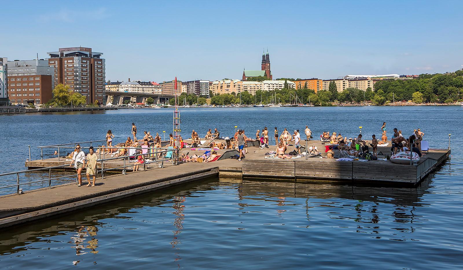 Sjöviksvägen 128, 7 tr. - Flera härliga badbryggor att njuta av sommartid