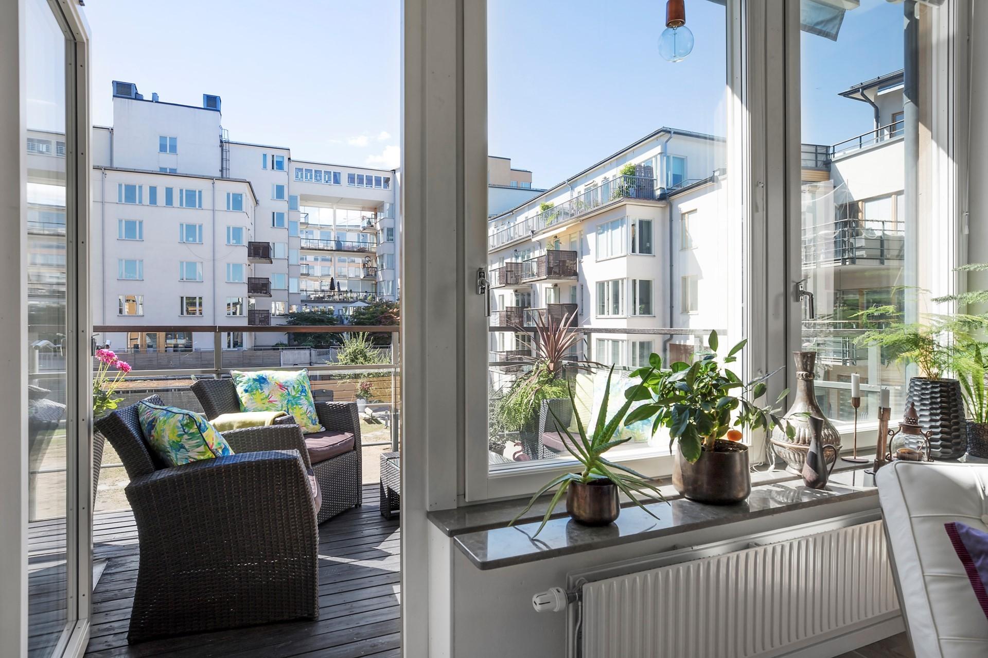 Korphoppsgatan 25, 2 tr Gårdshus! - Balkongen nås från vardagsrummet