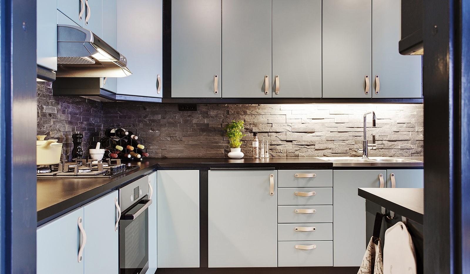 Korphoppsgatan 25, 2 tr Gårdshus! - Köket har uppdaterats med moderna färger och snygga beslag