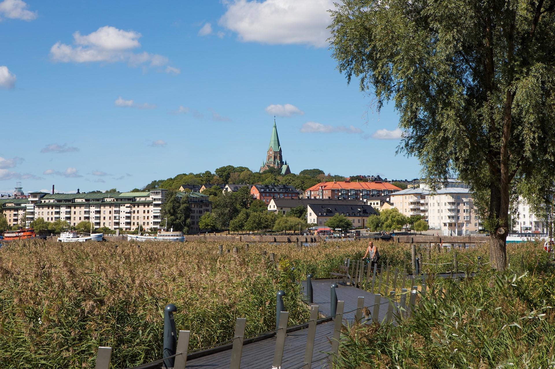Korphoppsgatan 25, 2 tr Gårdshus! - Mysiga promenadstråk längs med bryggorna