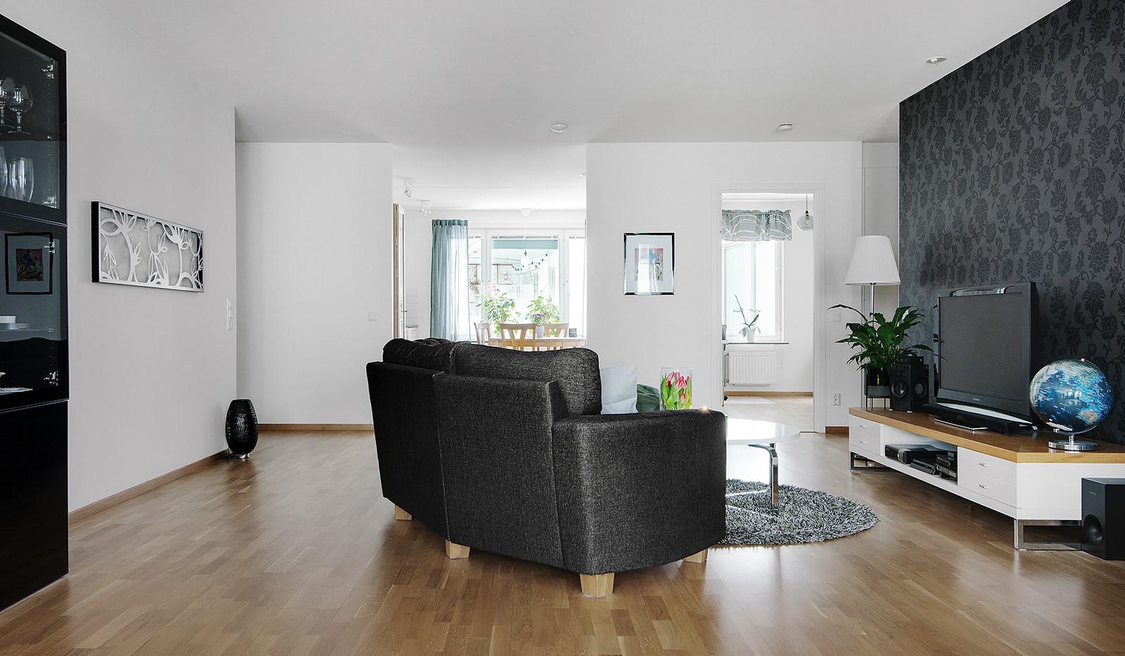 Grönbrinksgatan 6, 4tr - Kök och vardagsrum är precis lagom avdelat och i genomgående planlösning