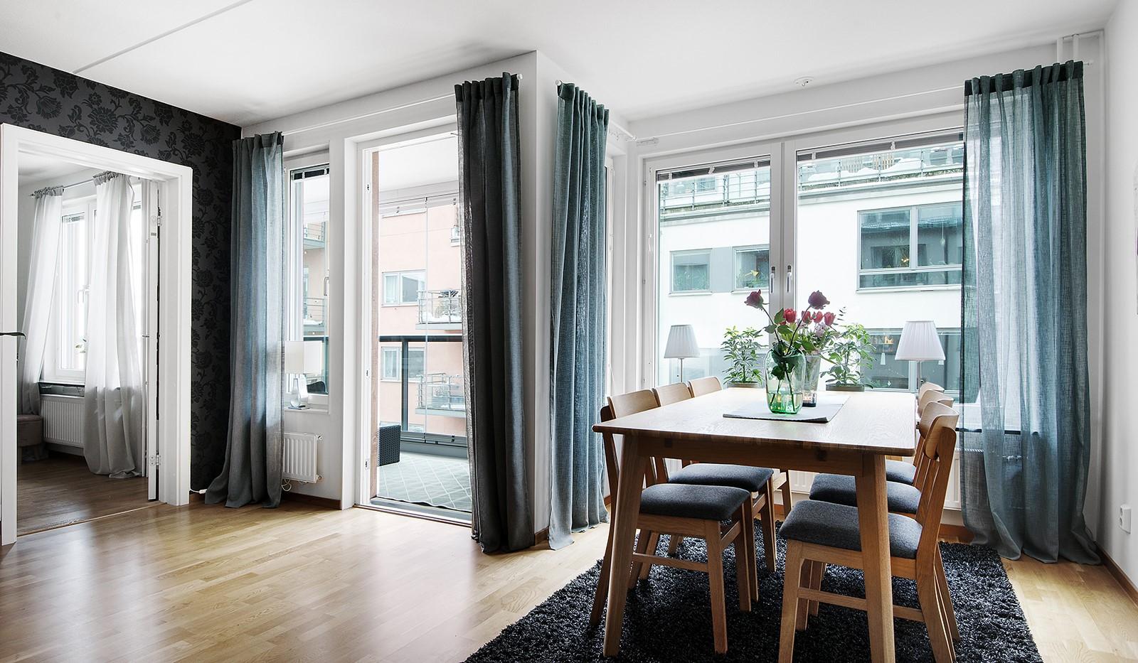 Grönbrinksgatan 6, 4tr - Härligt ljusinsläpp från flera stora fönsterpartier och trivsam matplats med sjöglimt