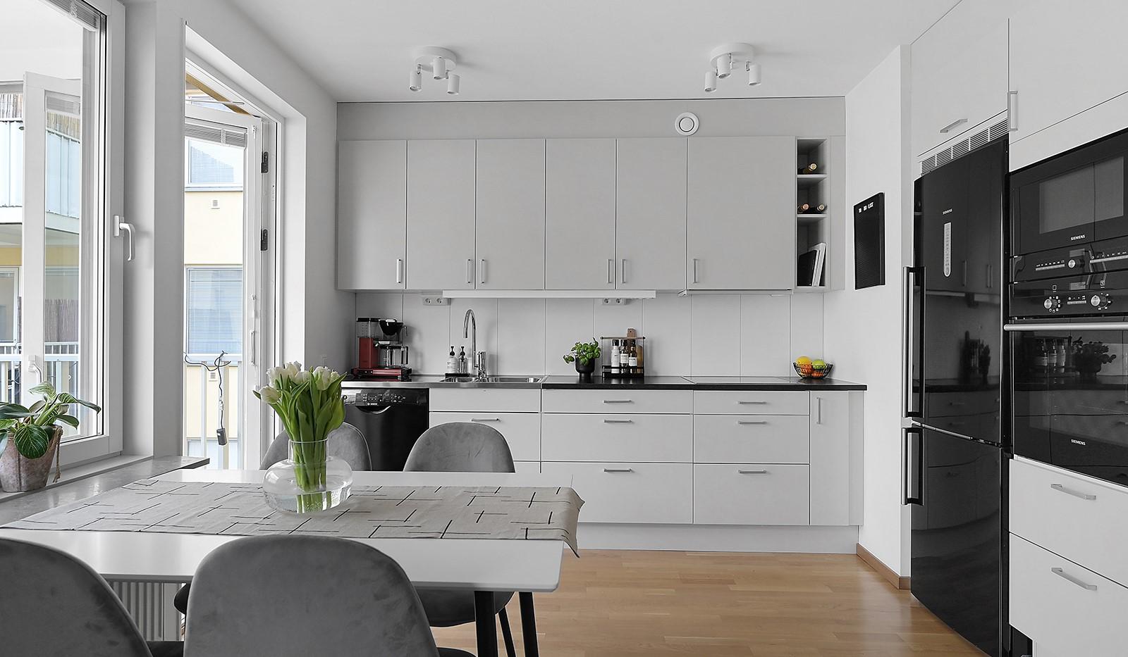 Buteljgatan 24, 5 tr - Stilrent kök med moderna vitvaror