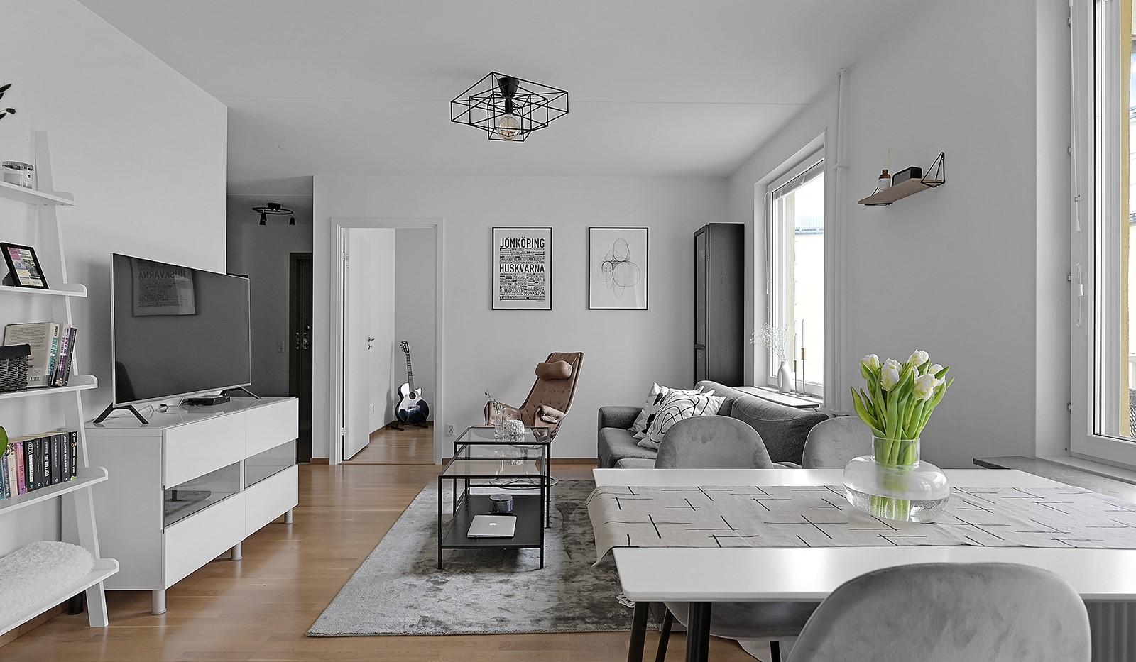 Buteljgatan 24, 5 tr - Från vardagsrummet når man bostadens sovrum