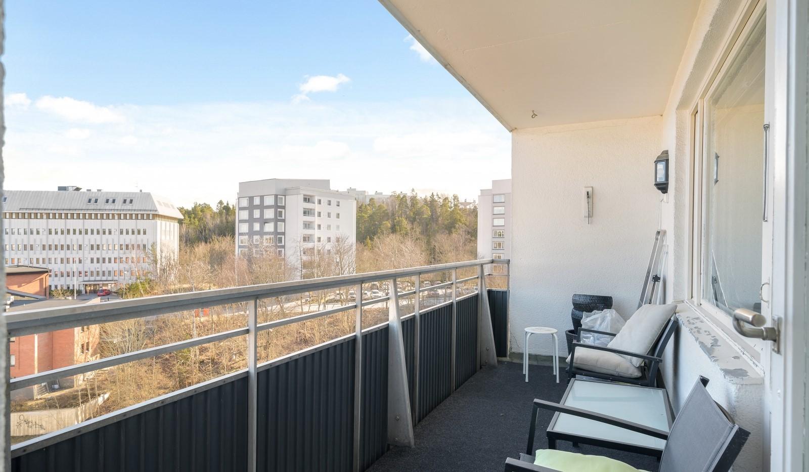 Tumba torg 107, 6tr - Stor balkong med fin utsikt