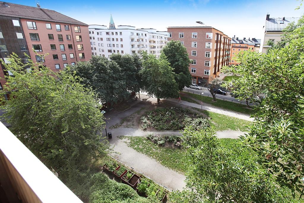 Kocksgatan 42 - Axel Landquists park