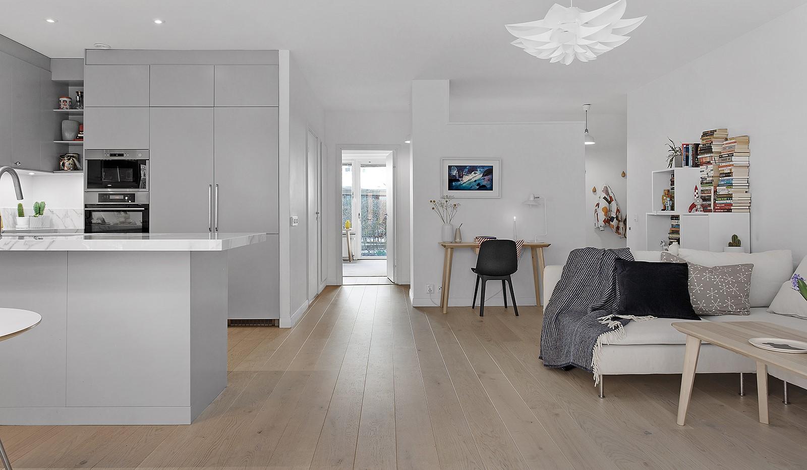 Sickla kanalgata 13B - Social och öppen planlösning mellan vardagsrum och kök