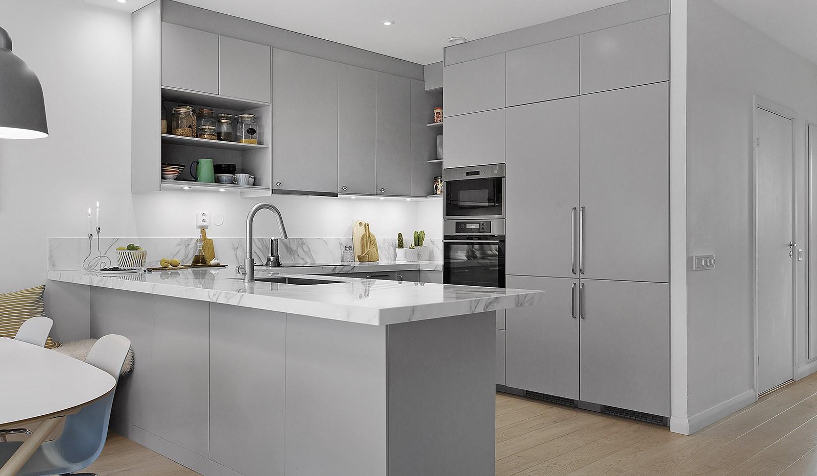 Sickla kanalgata 13B - Köket är nyligen renoverat med exklusiva materialval